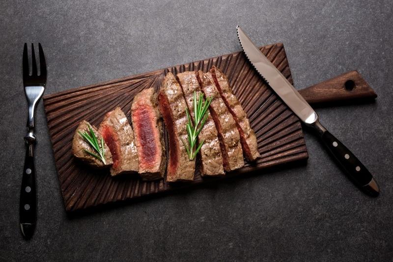 ステーキナイフのおすすめランキング15選 よく切れるのはどれ?人気の日本製も!