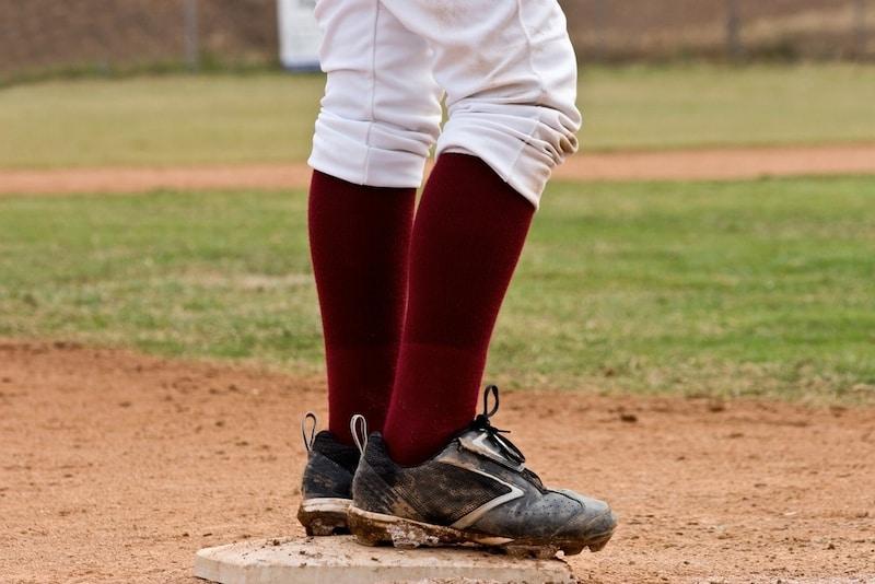 野球用ソックスおすすめ人気ランキング10選|ズレを気にせず思いっきりプレーしよう