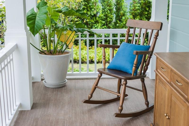 ロッキングチェアおすすめ人気ランキング12選|おしゃれな木製や折りたたみ式も!