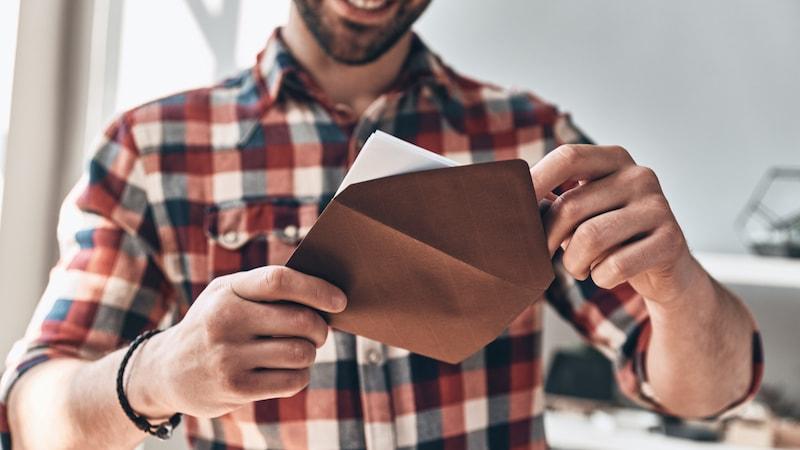 封筒のおすすめ人気ランキング10選|ビジネスやお礼状に適した種類は?
