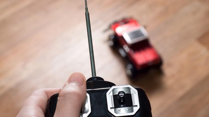 ラジコンカーおすすめ人気ランキング10選|アウトドアにはオフロードが◎