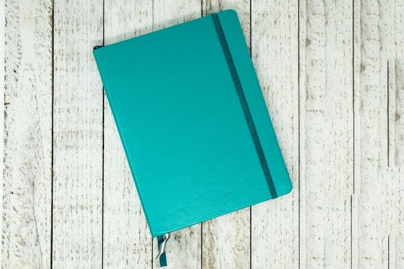 日記帳おすすめ人気ランキング18選|10年日記やおしゃれな鍵付きノートも◎