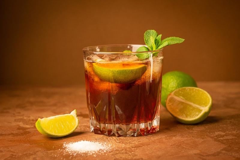 紅茶リキュールのおすすめ人気ランキング9選|カクテルでの飲み方が最適!