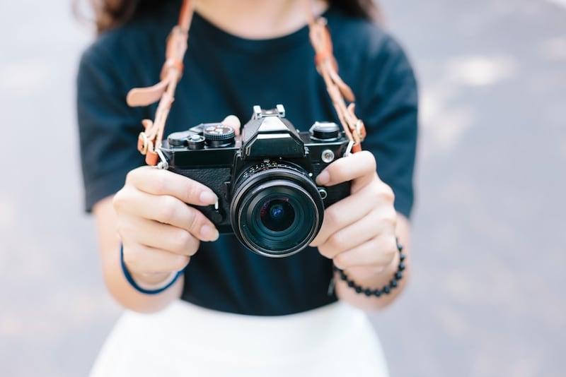 カメラストラップおすすめ人気ランキング10選|使い勝手抜群!