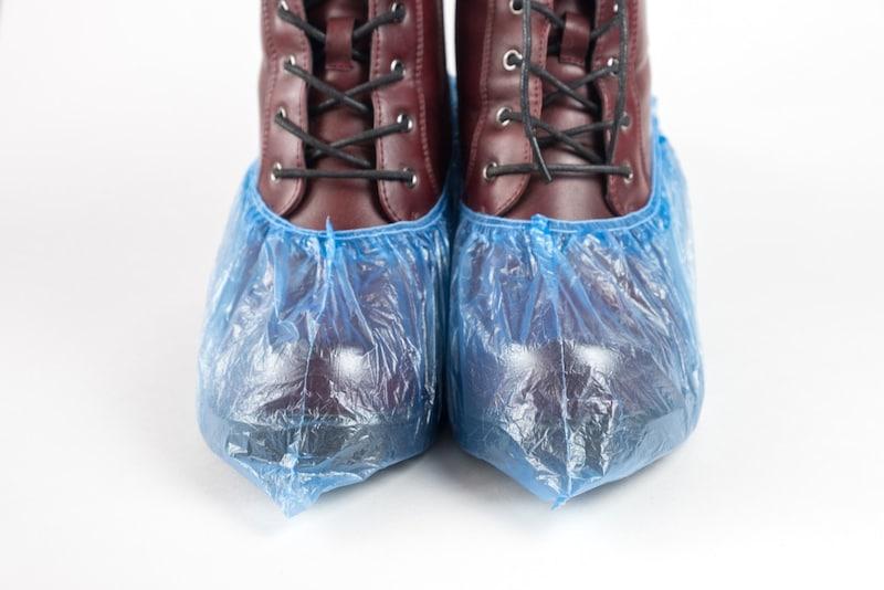 シューズカバーおすすめ人気ランキング10選|雨や汚れから靴を守ろう!