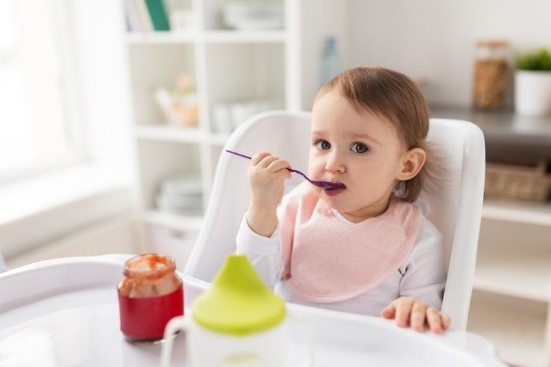 赤ちゃん用エプロンの人気おすすめランキング10選|長袖やシリコン素材、おしゃれなドレスタイプなど多数紹介!