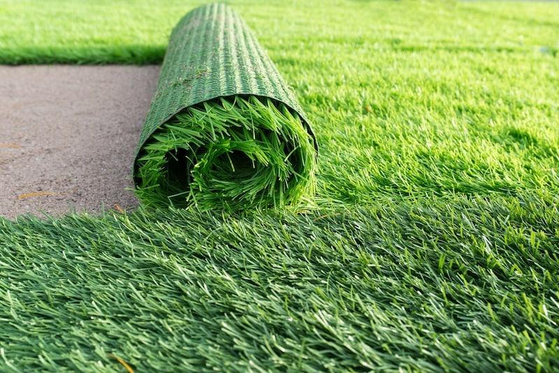 人工芝のおすすめ人気ランキング10選|ベランダには水はけの良い水抜き穴付きを