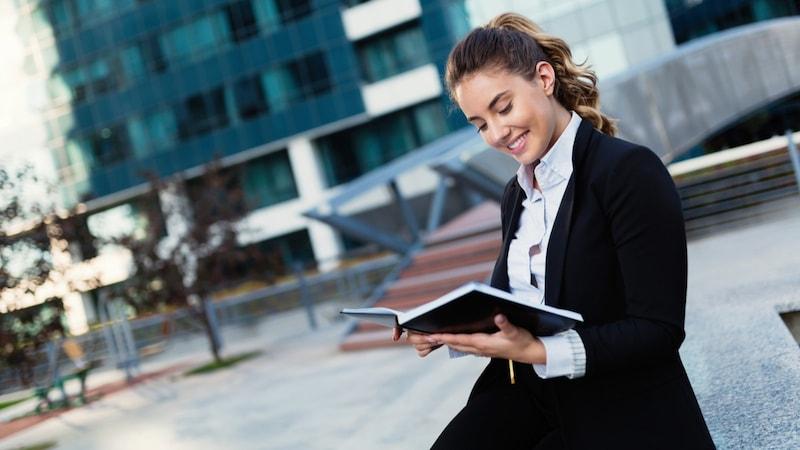 ビジネス手帳のおすすめ人気ランキング19選|使いやすいタイプ、サイズは?
