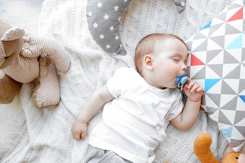 お昼寝マットおすすめ人気ランキング8選|ふかふかマットでもうぐずらない!