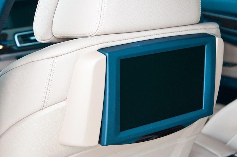 車載モニターおすすめランキング11選|後部座席に取り付けられるものは?DVDやスマホを楽しもう