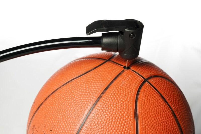 ボール用空気入れおすすめランキング10選|自転車にも使えるタイプも!針付きや種類選びがポイント