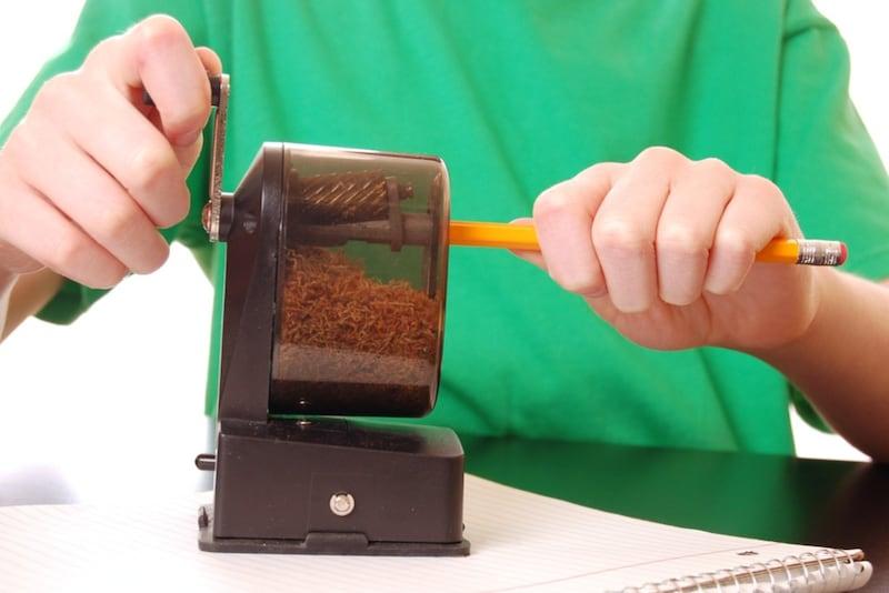 鉛筆削りのおすすめ人気ランキング15選|電動から手動、携帯用までタイプや機能で選ぶ!