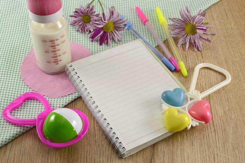 育児日記おすすめ人気ランキング19選|赤ちゃんの成長や思い出の記録に!いつまでつける?書き方のコツも紹介