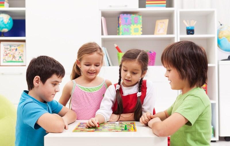 子供向けボードゲームおすすめ人気ランキング13選|大人も一緒に楽しめて、知育や教育にも!