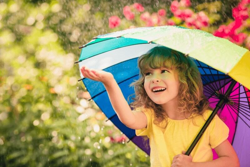 子ども用雨傘のおすすめ人気ランキング20選|いつから?サイズ選びは?