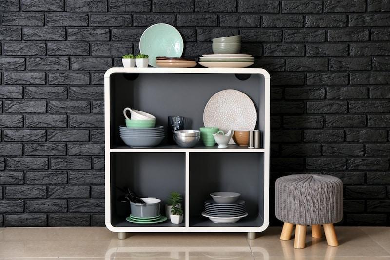 一人暮らし向き食器棚おすすめランキング11選|代用品やカビ対策も紹介!