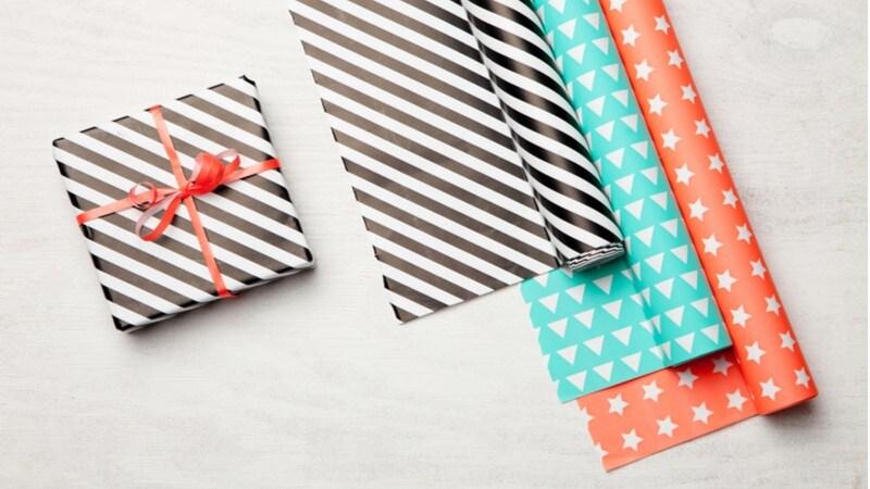ラッピングペーパーのおすすめ人気ランキング9選|おしゃれな柄と包み方でより可愛いプレゼントに!