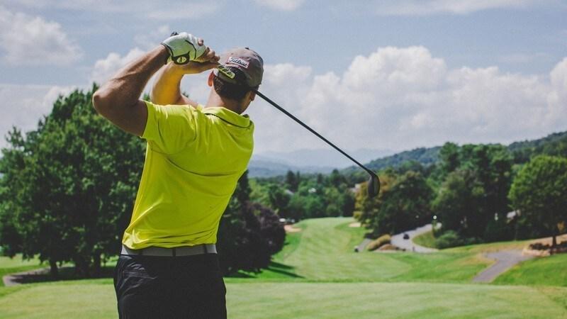 【2021年版】ゴルフクラブの選び方と種類別おすすめ16選|初心者必見!人気メーカーの特徴を比較
