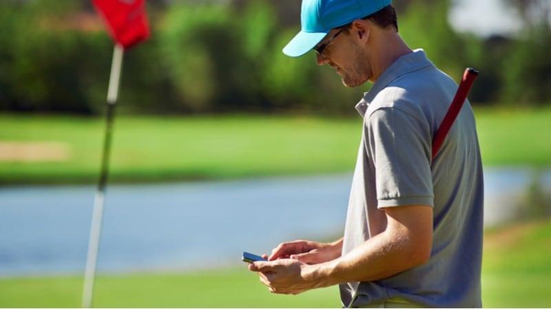 【2021年版】ゴルフ用距離測定器おすすめ人気ランキング12選|GPSナビを腕時計、画面、音声タイプ別に比較!高低差がわかるものも!