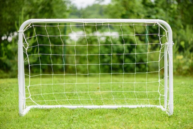 ミニサッカーゴールのおすすめ15選|子供の練習用に!ゴールネットやキャリーバッグセットが◎