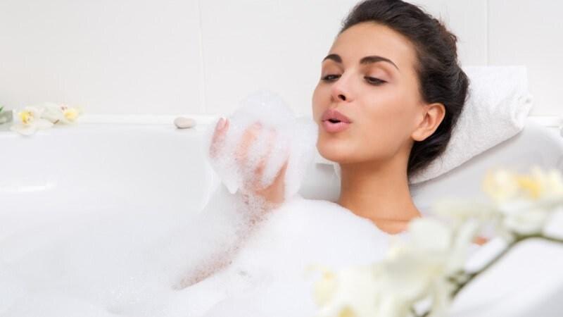 泡風呂入浴剤おすすめ人気ランキング11選|色や香りを選んで贅沢な時間を