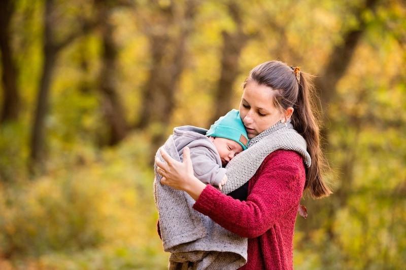 抱っこ紐ケープのおすすめ人気ランキング12選|夏のUVカット、冬の防寒対策に!