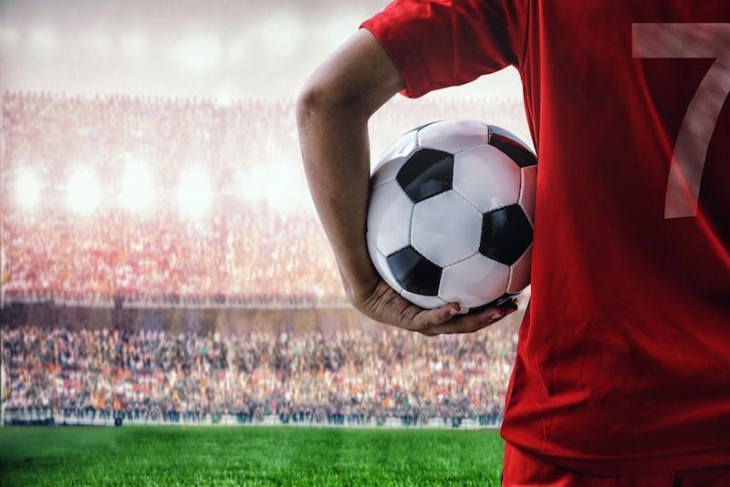 サッカーボールおすすめ人気ランキング15選|選び方と適切なサイズは?