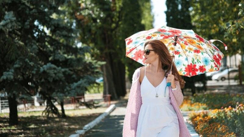 晴雨兼用傘のおすすめ人気ランキング19選|折りたたみ・長傘に加え、人気ブランドやメンズ向けも!