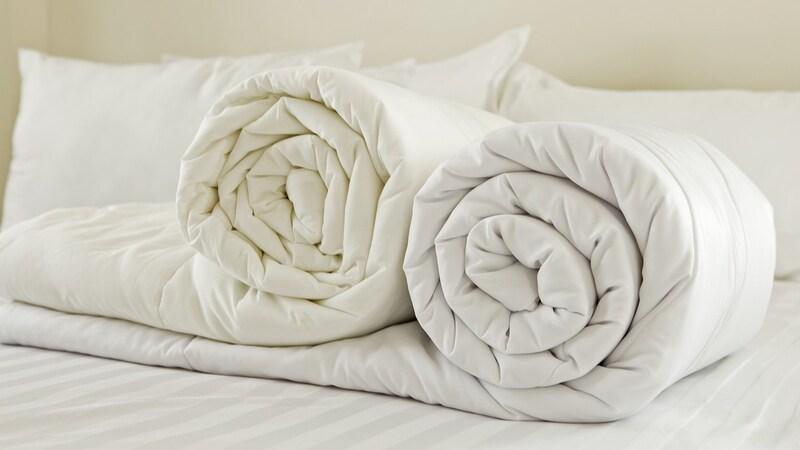 羽毛布団のおすすめ人気ランキング9選|家で洗濯ができるタイプは?