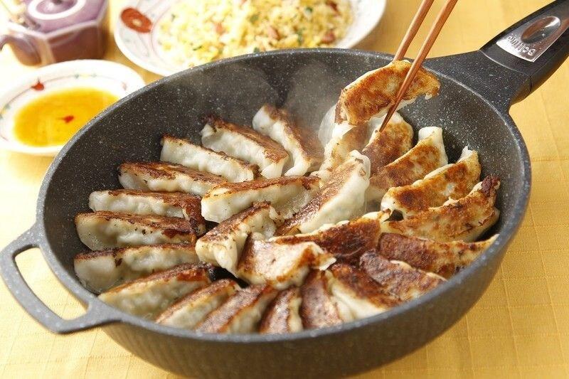 餃子用フライパン(餃子鍋)のおすすめ10選|人気の鉄製や蓋無し、IH対応も紹介
