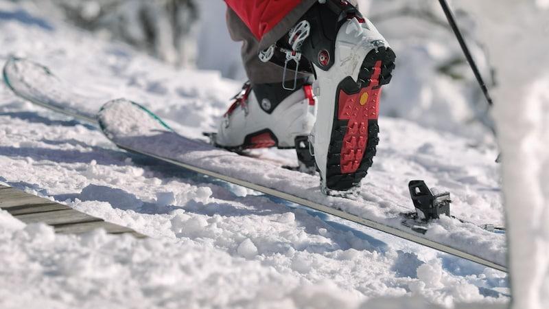 【2020年版】スキーブーツおすすめ人気ランキング17選|フレックスやサイズで選ぼう!人気のケースも紹介!