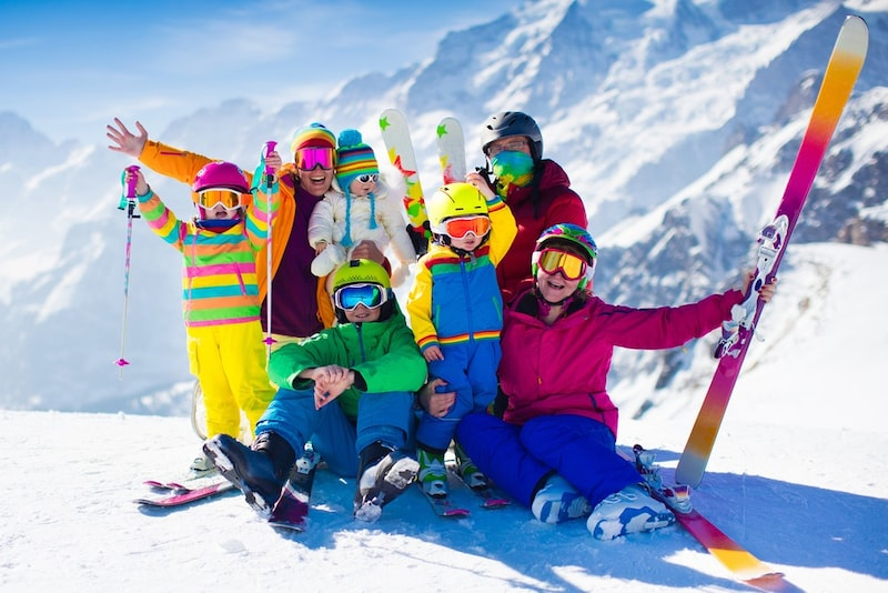 【2020年】キッズ用スキーウェアおすすめ15選|人気ブランド多数!格安な上下セットも