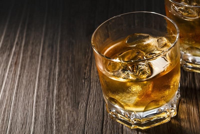 ロックグラスおすすめ10選|ウイスキーをおしゃれに楽しむ
