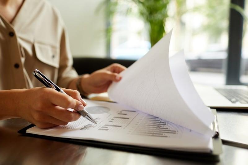 レポート用紙おすすめ人気ランキング18選|サイズや行数/罫線に注目