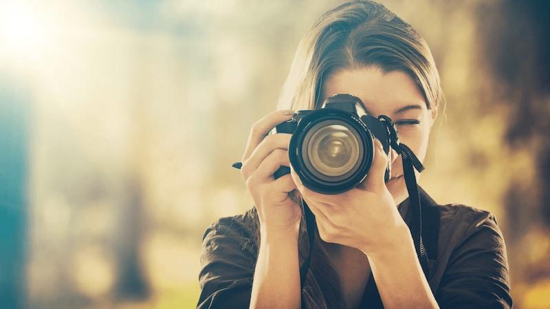 カメラ液晶フードおすすめ人気ランキング10選|背面モニターを見やすく!