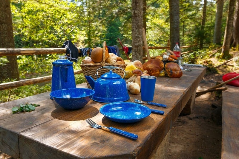 キャンプ用食器のおすすめ人気ランキング9選|軽量かつコンパクトな物を!