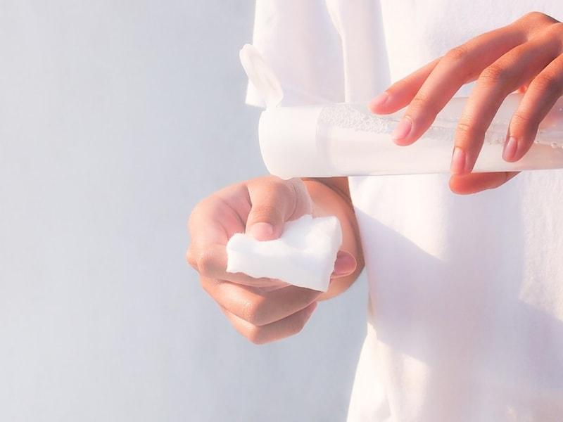 ニキビ用化粧水のおすすめ人気ランキング25選|ハトムギや無印などが人気!ニキビ跡でお悩みの方やメンズに最適なのは?