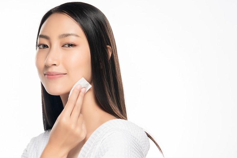 20代向け化粧水のおすすめ人気ランキング18選|20代の前半と後半で使い分けるのが理想!毛穴やニキビをケアして美肌に!プチプラはソフィーナ、オルビスが人気