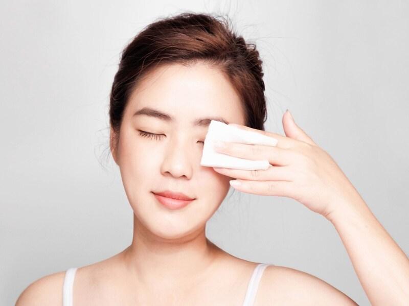 【2020最新】拭き取り化粧水のおすすめ人気ランキング21選と効果的な使い方|無印良品、ちふれの人気商品やプチプラ品に注目!ニキビや毛穴のケアに最適なのは?コットンもあわせて紹介
