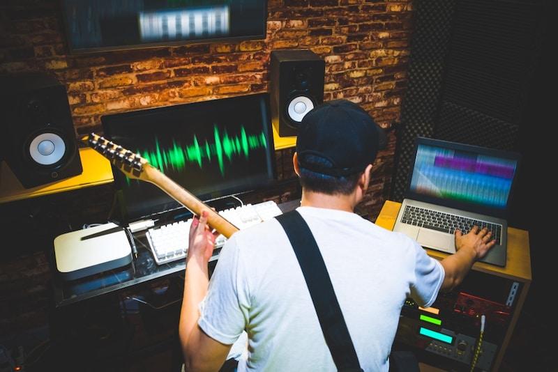 DTMでギターを良い音で録音する方法とおすすめ機材4選