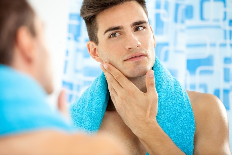 メンズ乳液のおすすめ人気ランキング15選|テカリやニキビの脂性肌に、ニベアや無印の商品に注目!使い方もあわせて