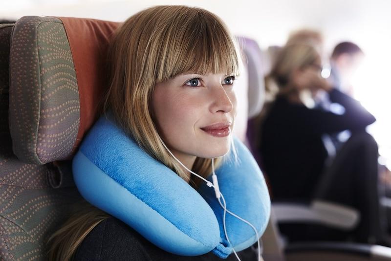 ネックピローおすすめ人気ランキング24選|飛行機や車での旅行に!空気を入れるタイプが◎