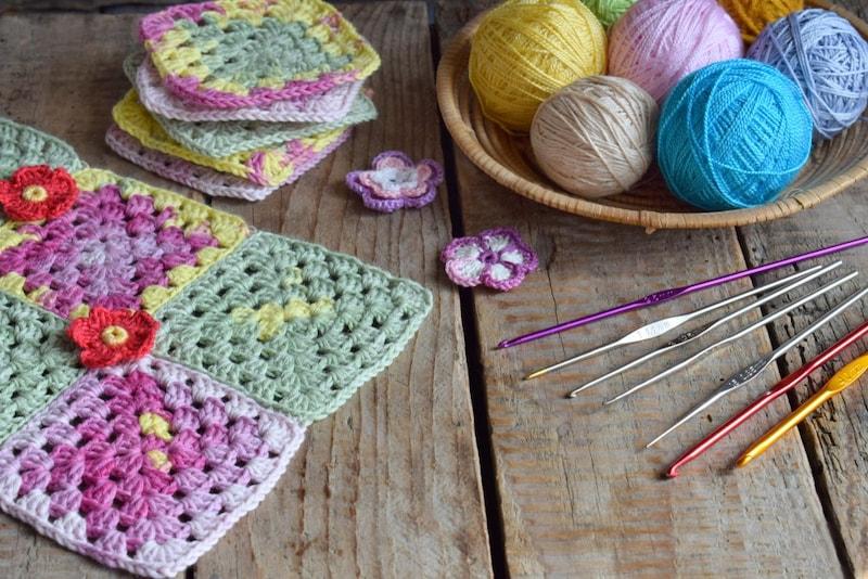 かぎ針とかぎ針セットのおすすめ11選|編み物初心者にも!帽子やマフラーを作ろう