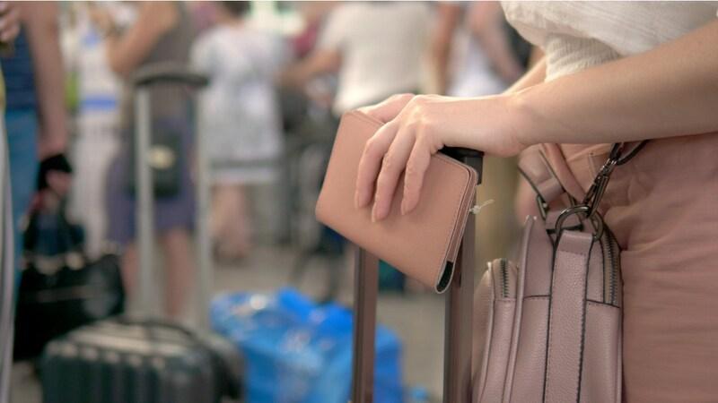 パスポートケースおすすめランキング31選|スキミング防止が重要!おしゃれ&かわいいデザインに注目