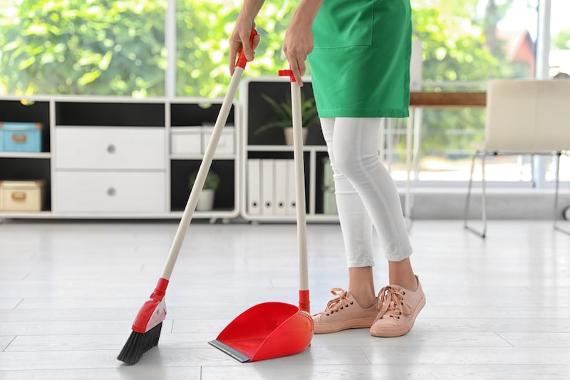 ほうきのおすすめランキング20選|おしゃれなちりとりセットも!掃除場所に適した種類を紹介