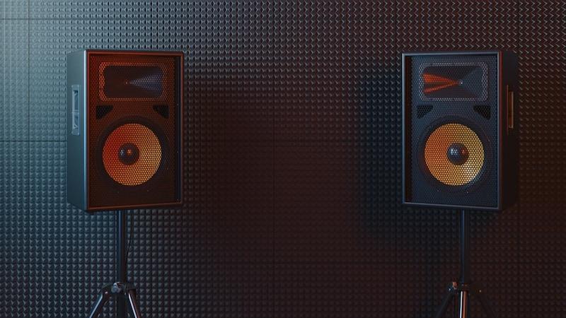 部屋の防音対策グッズ8選|簡単DIY!ドア・壁・床・窓用グッズ