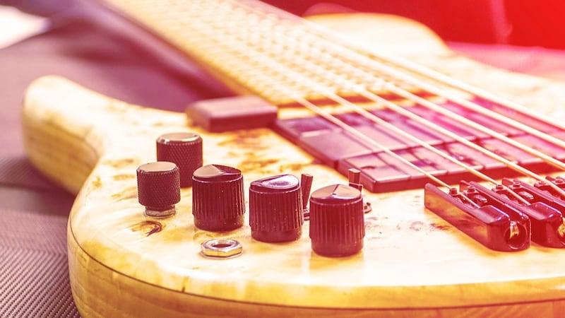 6弦ベースの特徴・メリットからおすすめモデルまで徹底解説!