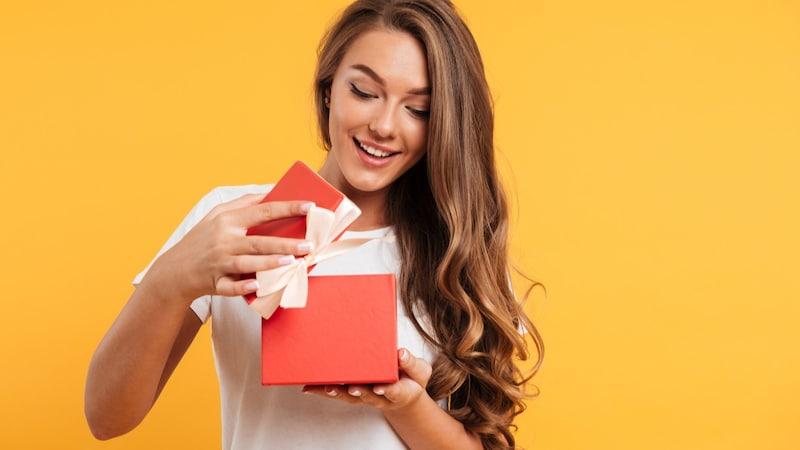 告白のプレゼントおすすめランキング10選|花やバスグッズなどの定番アイテムを紹介