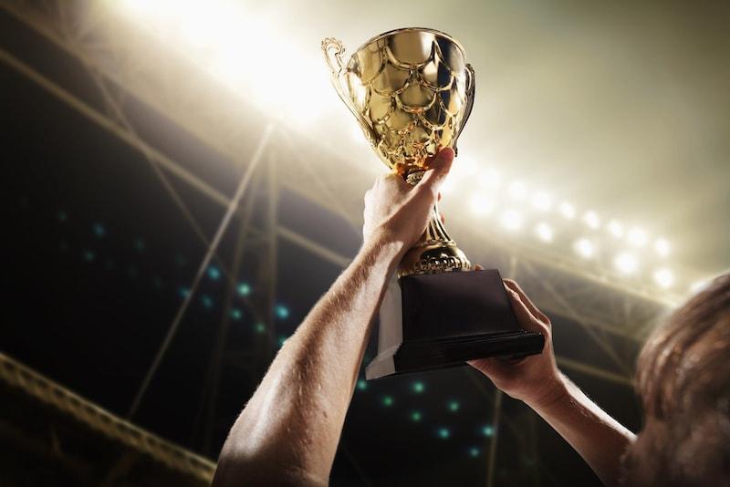トロフィー・カップのおすすめランキング14選|おしゃれなクリスタルや名入れOKまで!