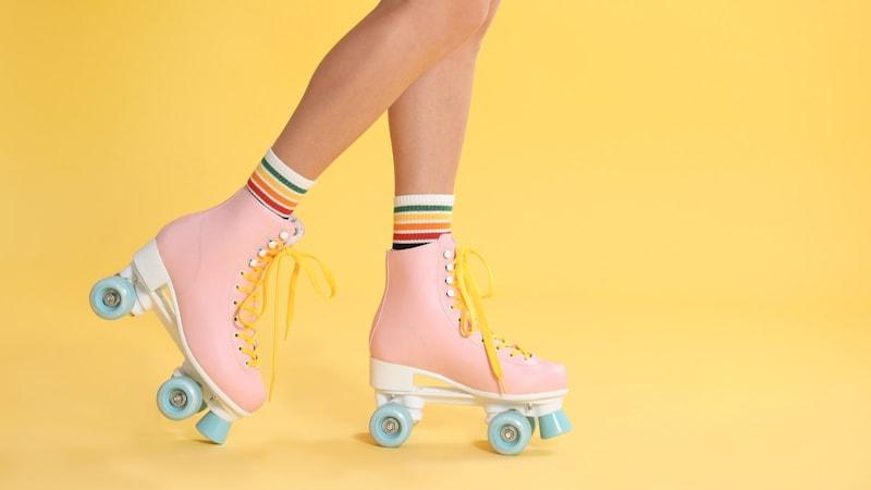 ローラースケートのおすすめ人気ランキング15選|子供も大人も楽しめる!靴のまま遊べるものも◎